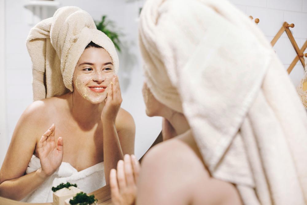Como fazer a esfoliação facial em casa?
